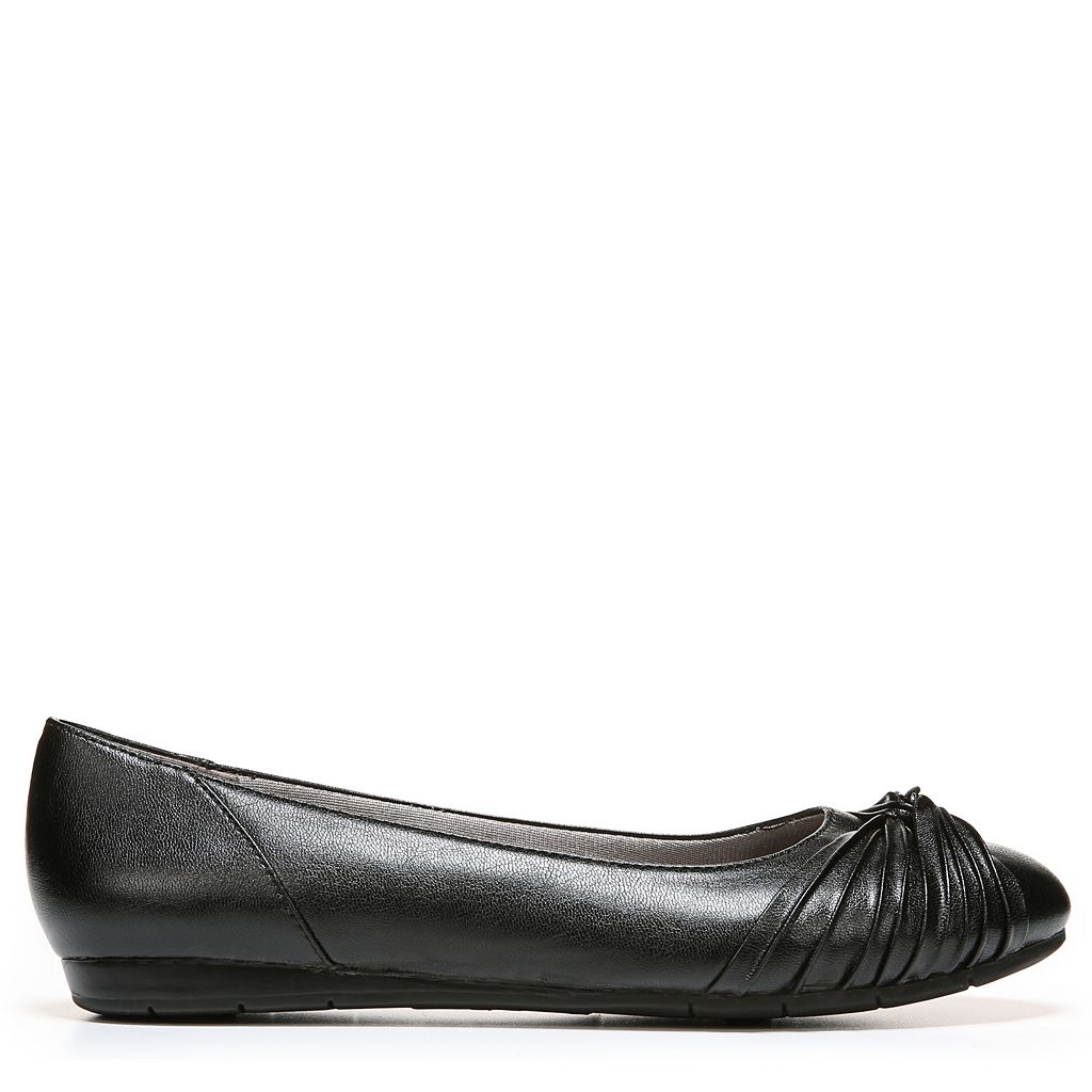 LifeStride Notorious Women's Ballet Flats