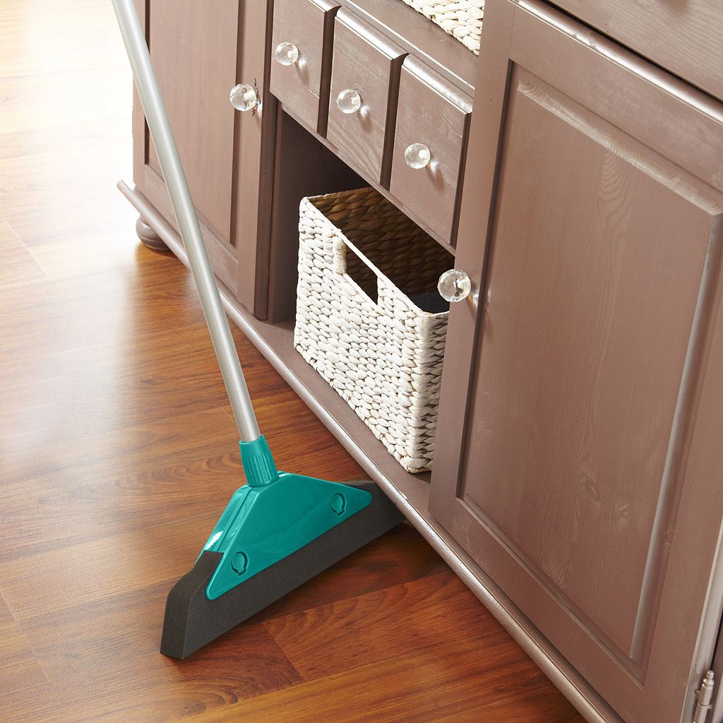 Leifheit Wide-Sweeping Foam Broom