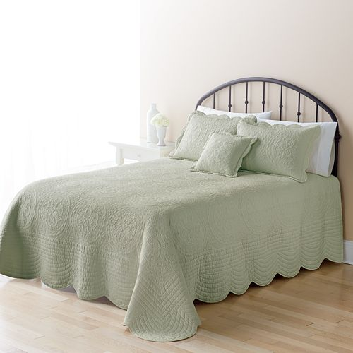Home Classics 174 Mary Solid Bedspread