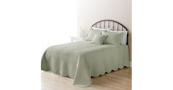 Home Classics Mary Solid Bedspread