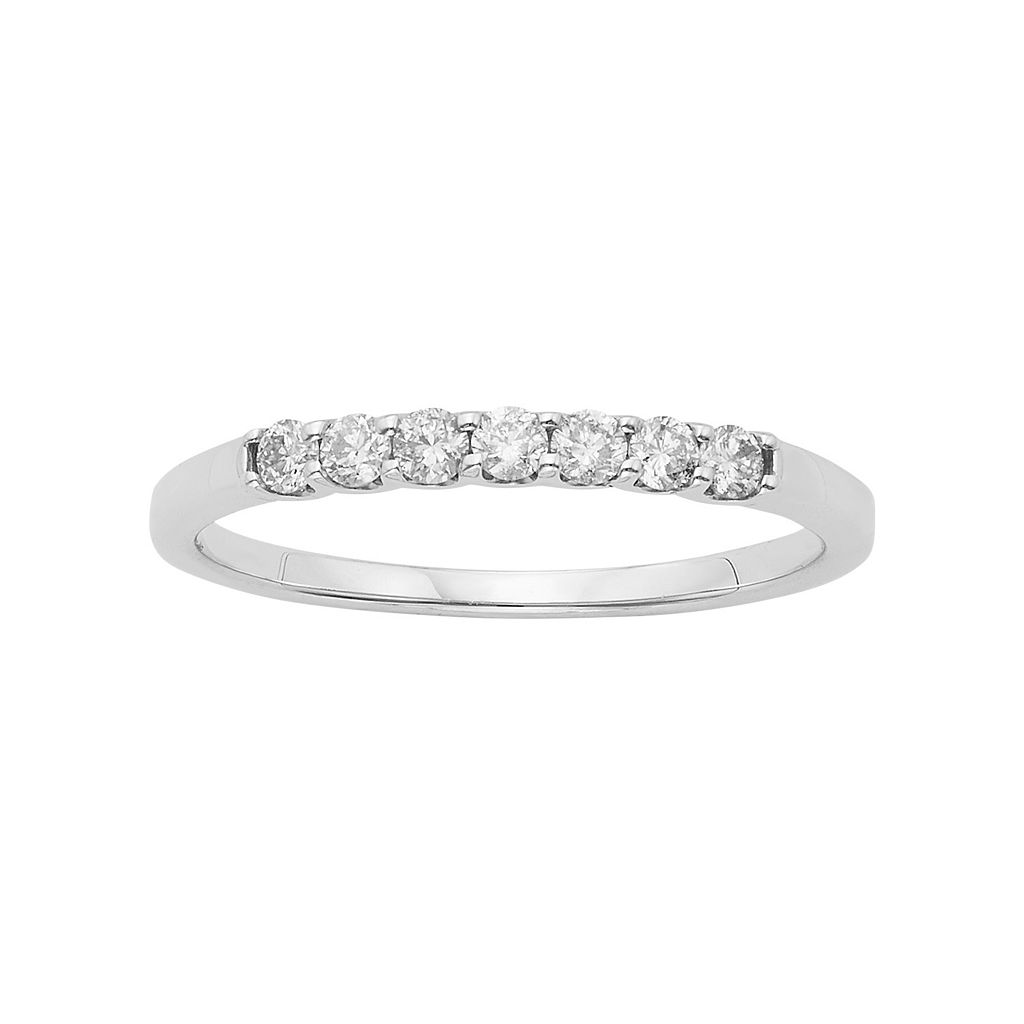 IGL Certified Diamond Wedding Ring in 14k Gold (1/4 Carat T.W.)
