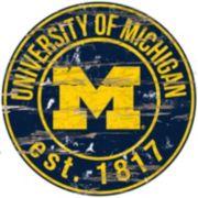 "Michigan Wolverines Distressed 24"" x 24"" Round Wall Art"