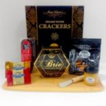 Fifth Avenue Gourmet The Gourmet Cheese & Cracker Board Gift Set