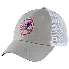 Adult Nike New York Yankees Heritage86 Dri-FIT Adjustable Cap