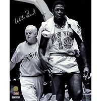 Steiner Sports New York Knicks Willis Reed With Trainer 16