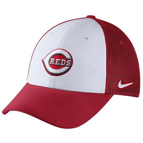 Adult Nike Cincinnati Reds Mesh Dri-FIT Flex Cap