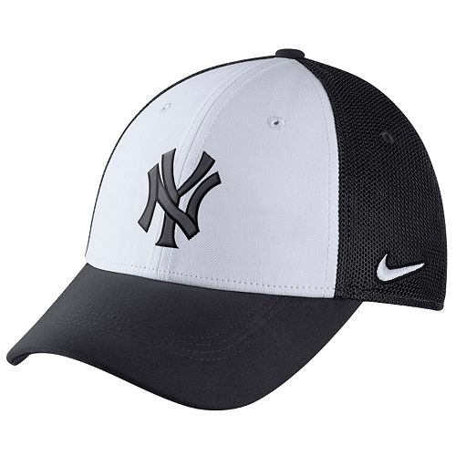 Adult Nike New York Yankees Mesh Dri-FIT Flex Cap f78e887b4c3