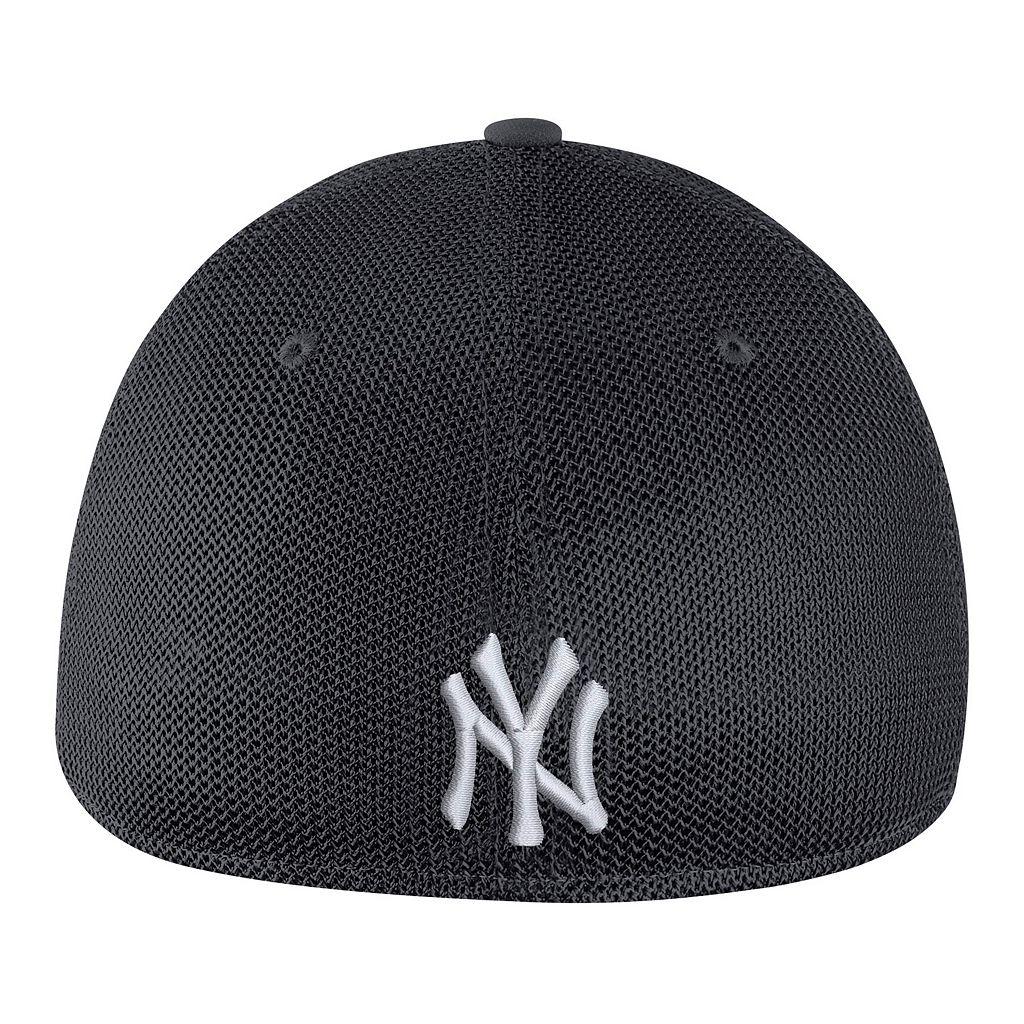 Adult Nike New York Yankees Mesh Dri-FIT Flex Cap