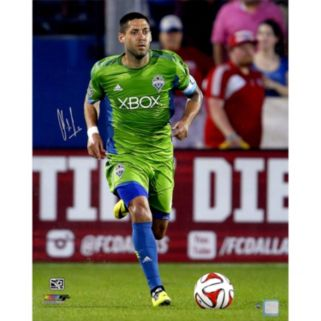 """Steiner Sports Seattle Sounders Clint Dempsey Sprinting Signed 16"""" x 20"""" Photo"""