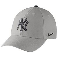 Adult Nike New York Yankees Wool Classic Dri-FIT Adjustable Cap