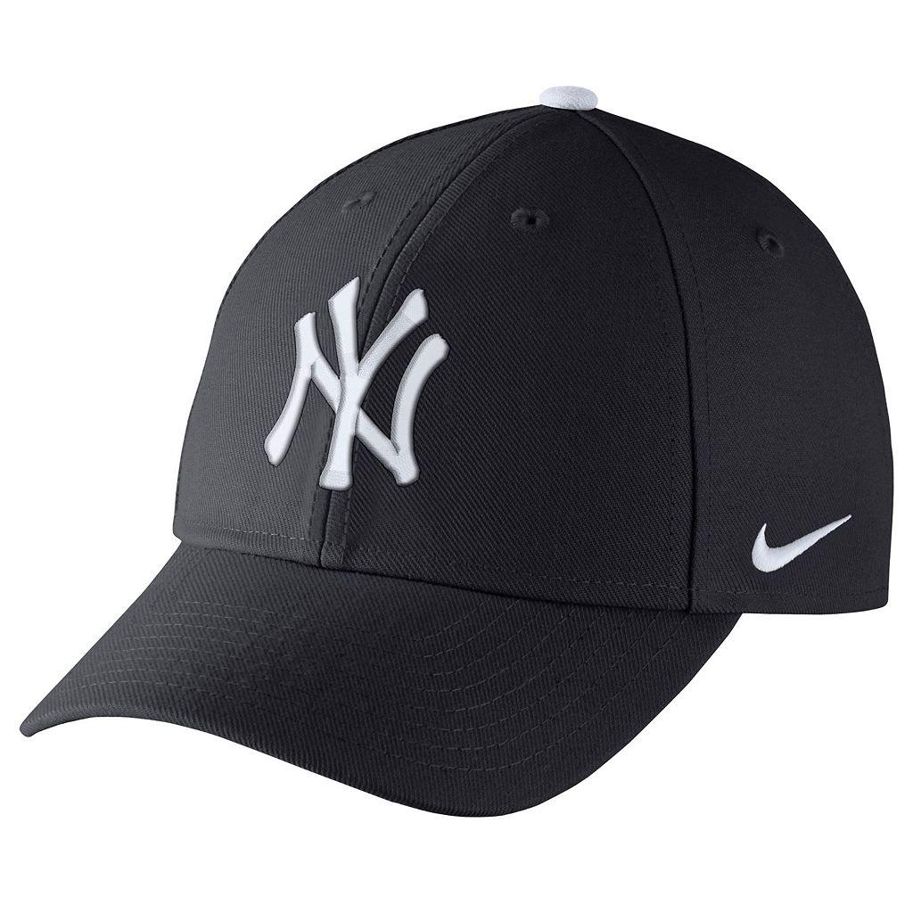 Adult Nike New York Yankees Wool Classic Dri-FIT Adjustable Cap