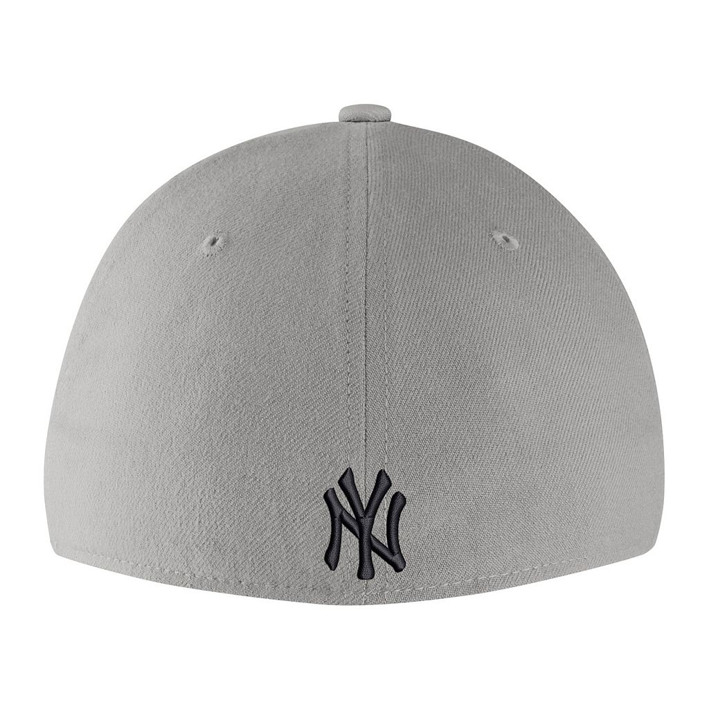 Adult Nike New York Yankees Woodland Camo Classic Flex Cap