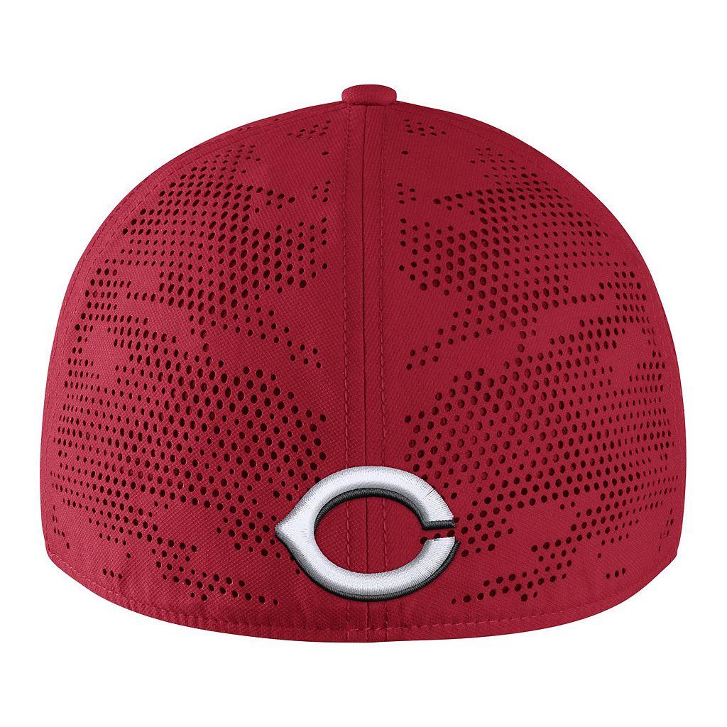 Adult Nike Cincinnati Reds Vapor Classic Stretch-Fit Cap