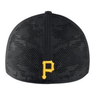 Adult Nike Pittsburgh Pirates Vapor Classic Stretch-Fit Cap