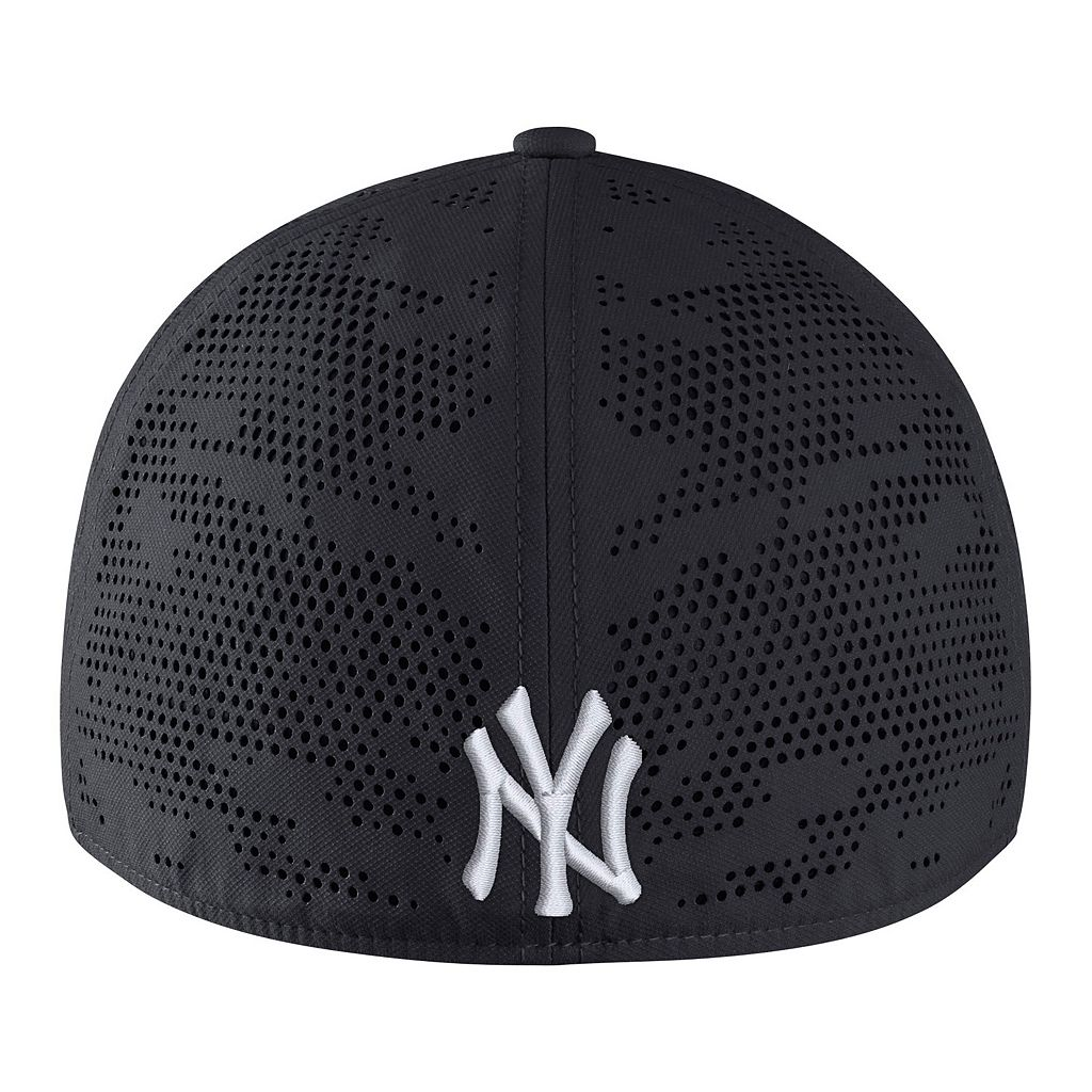 Adult Nike New York Yankees Vapor Classic Stretch-Fit Cap