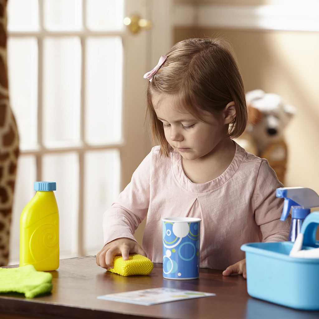 Melissa & Doug Let's Play House! Spray, Squirt & Squeegee Play Set