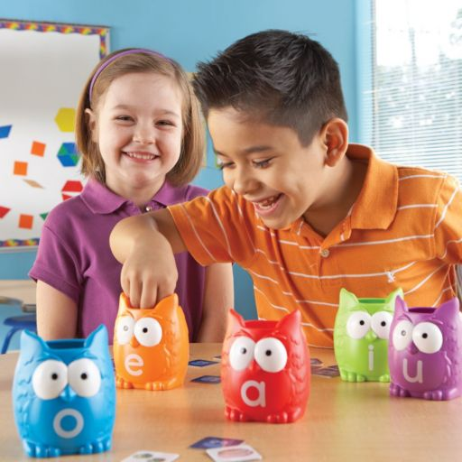 Learning Resources Vowel Owls Sorting Set