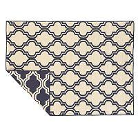 Linon Salonika Quatrefoil Reversible Wool Rug - 5' x 8'