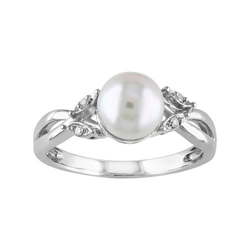10k White Gold Diamond Accent & Freshwater Cultured Pearl Ring