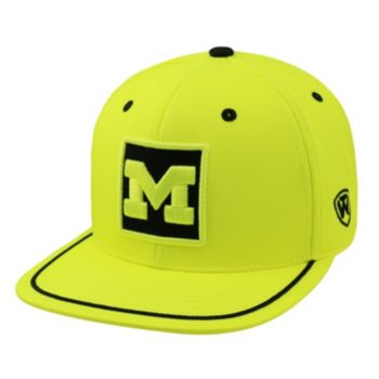 Adult Top of the World Michigan Wolverines Clubhouse Snapback Cap