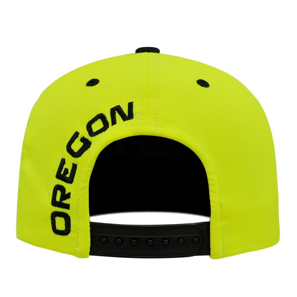 Adult Top of the World Oregon Ducks Clubhouse Snapback Cap