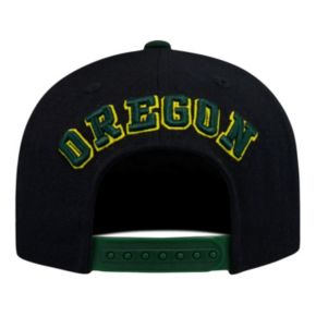 Adult Top of the World Oregon Ducks Xplosion Adjustable Cap