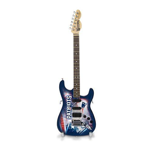 New EnglandPatriots NorthEnder Collector Series Mini Replica Electric Guitar