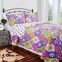 Pegasus Home Fashions Lena Vintage Collection Quilt Set