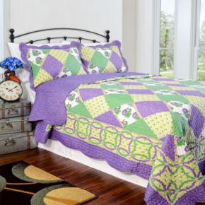 Pegasus Home Fashions Julia Vintage Collection Quilt Set