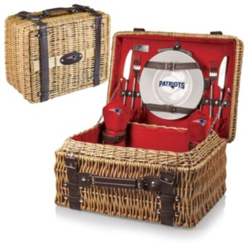 Picnic Time New EnglandPatriots Champion Willow Picnic Basket with Service for 2