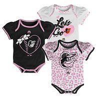 Baby Majestic Baltimore Orioles Wild Pitch 3-Piece Bodysuit Set