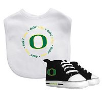 Baby Fanatic Oregon Ducks Bib & Shoes Set