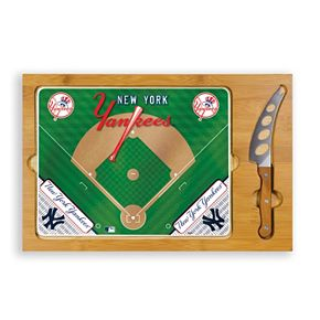 Picnic Time New York Yankees Icon Rectangular Cutting Board Gift Set