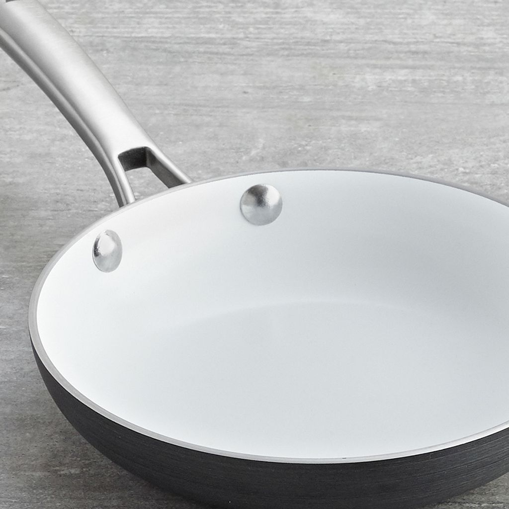 Calphalon Classic 8-in. Ceramic Omelet Pan