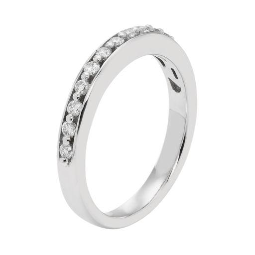 14k White Gold 1/4 Carat T.W. IGL Certified Diamond Wedding Ring