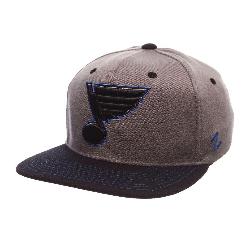 Adult St. Louis Blues Nebulous Stretch-Fit Cap