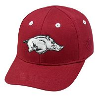 Infant Top of the World Arkansas Razorbacks Cub One-Fit Cap