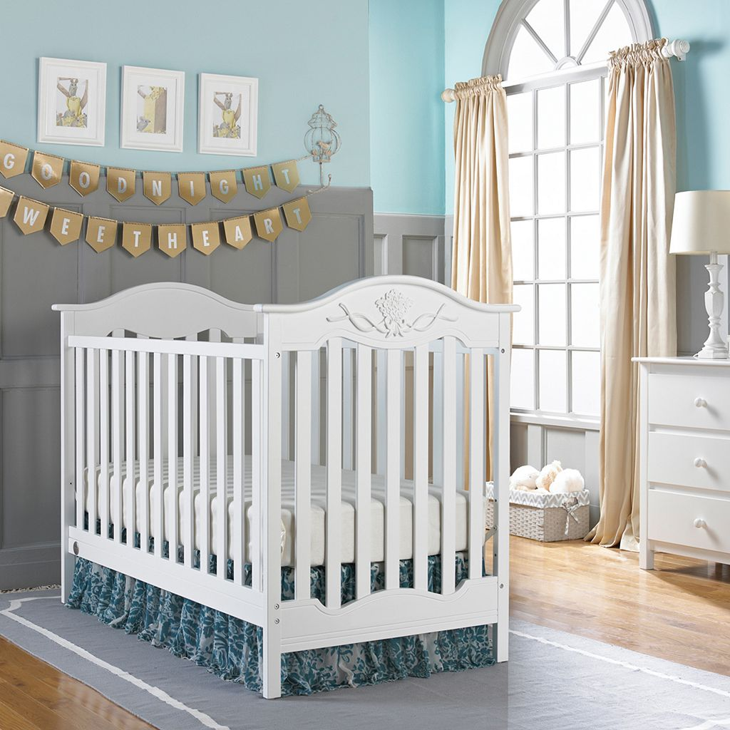 Fisher-Price Charlotte Rose 3-in-1 Traditional Crib