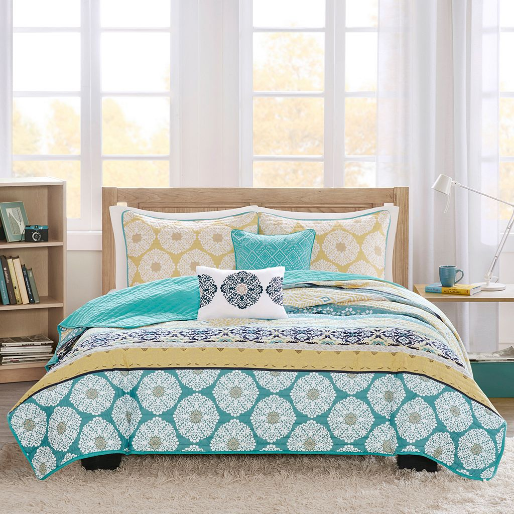 Intelligent Design Celeste Coverlet Set