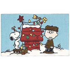 Peanuts Holiday Snoopy and Charlie Brown Accent Rug - 20' x 32'