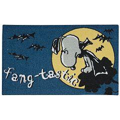Peanuts Holiday 'Fangtastic' 20' x 32' Accent Rug