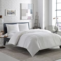 City Scene Variegated Pleats Comforter Set