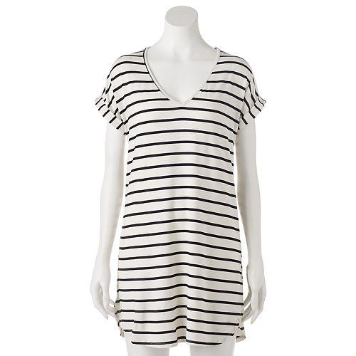 Juniors' Liberty Love T-Shirt Shift Dress