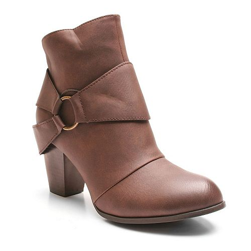 Kisses by 2 Lips Too Too Lure Women's Ankle Boots