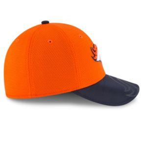 Adult New Era Denver Broncos 39THIRTY Sideline Flex-Fit Cap