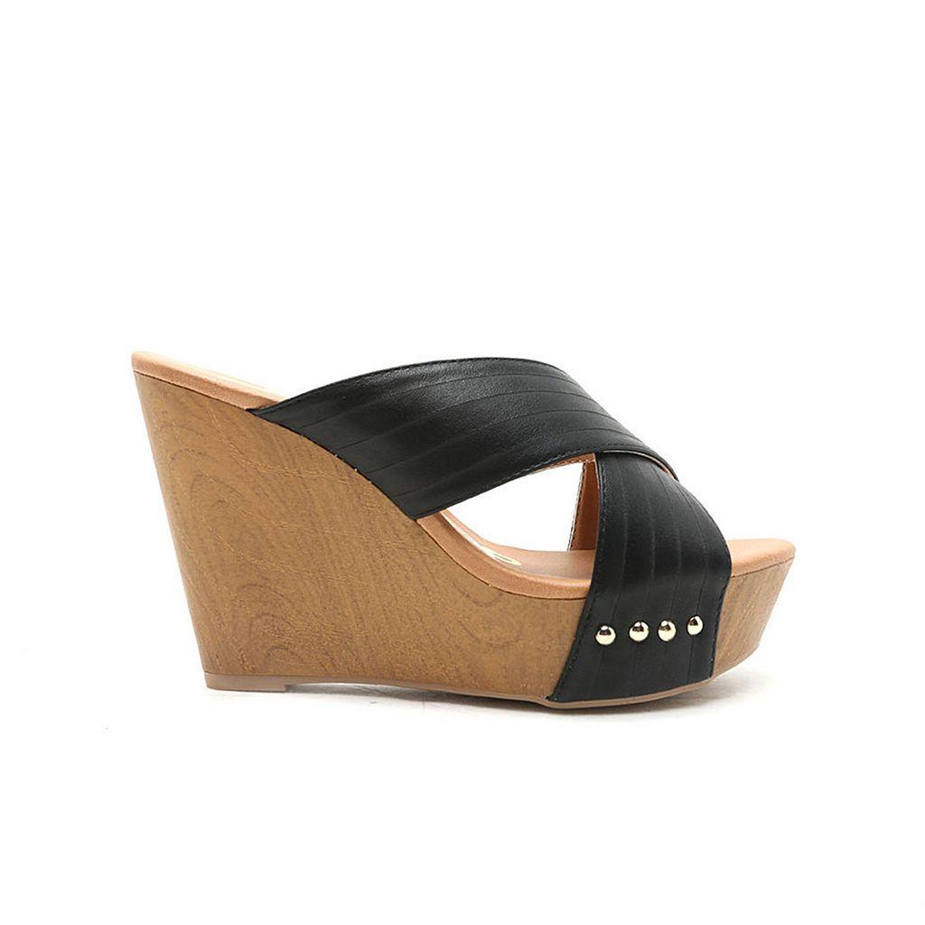 Qupid Gimmick Women's Wedge Sandals