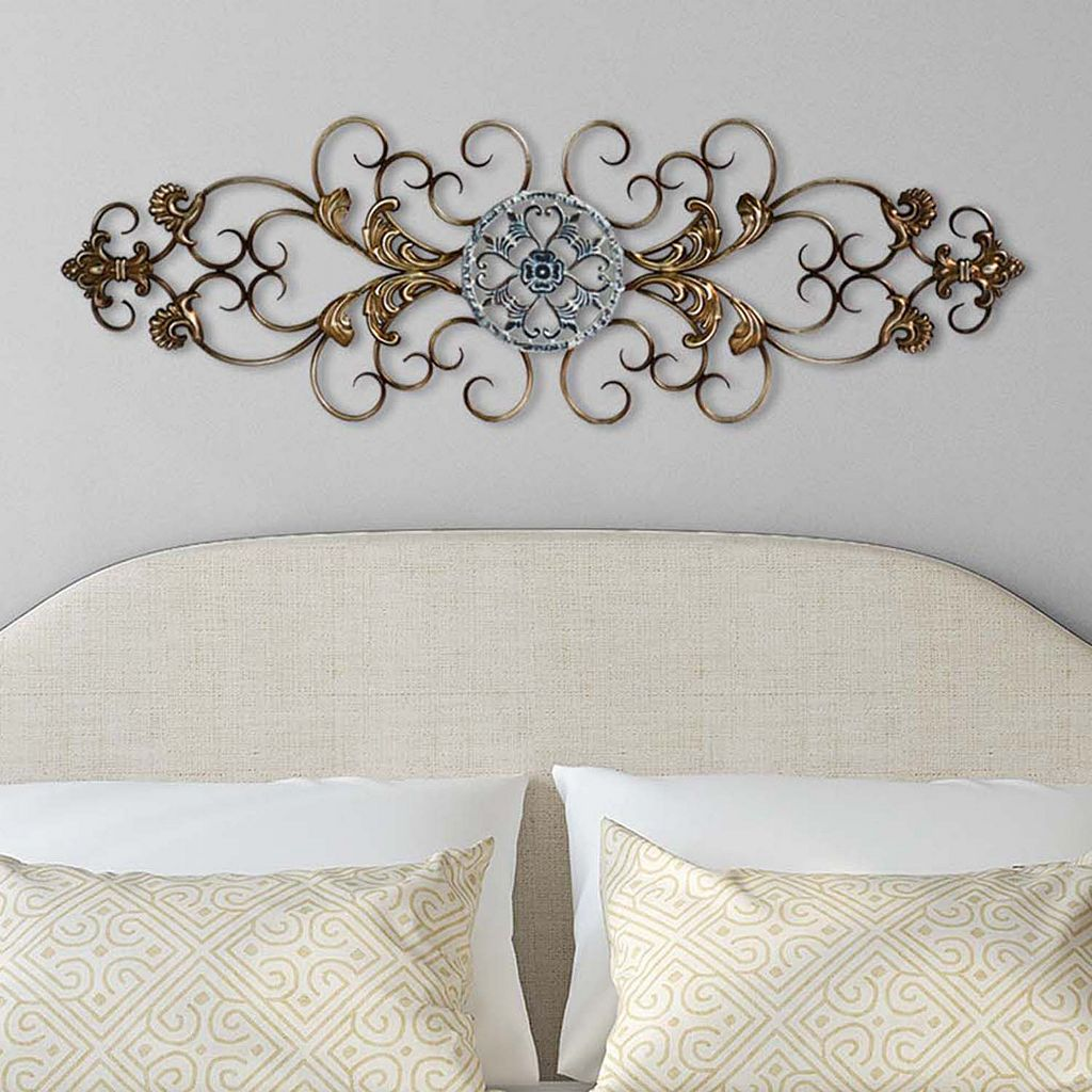 Stratton Home Decor Traditional Scroll Wall Art