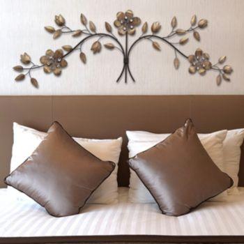 Stratton Home Decor Floral Bouquet Wall Art