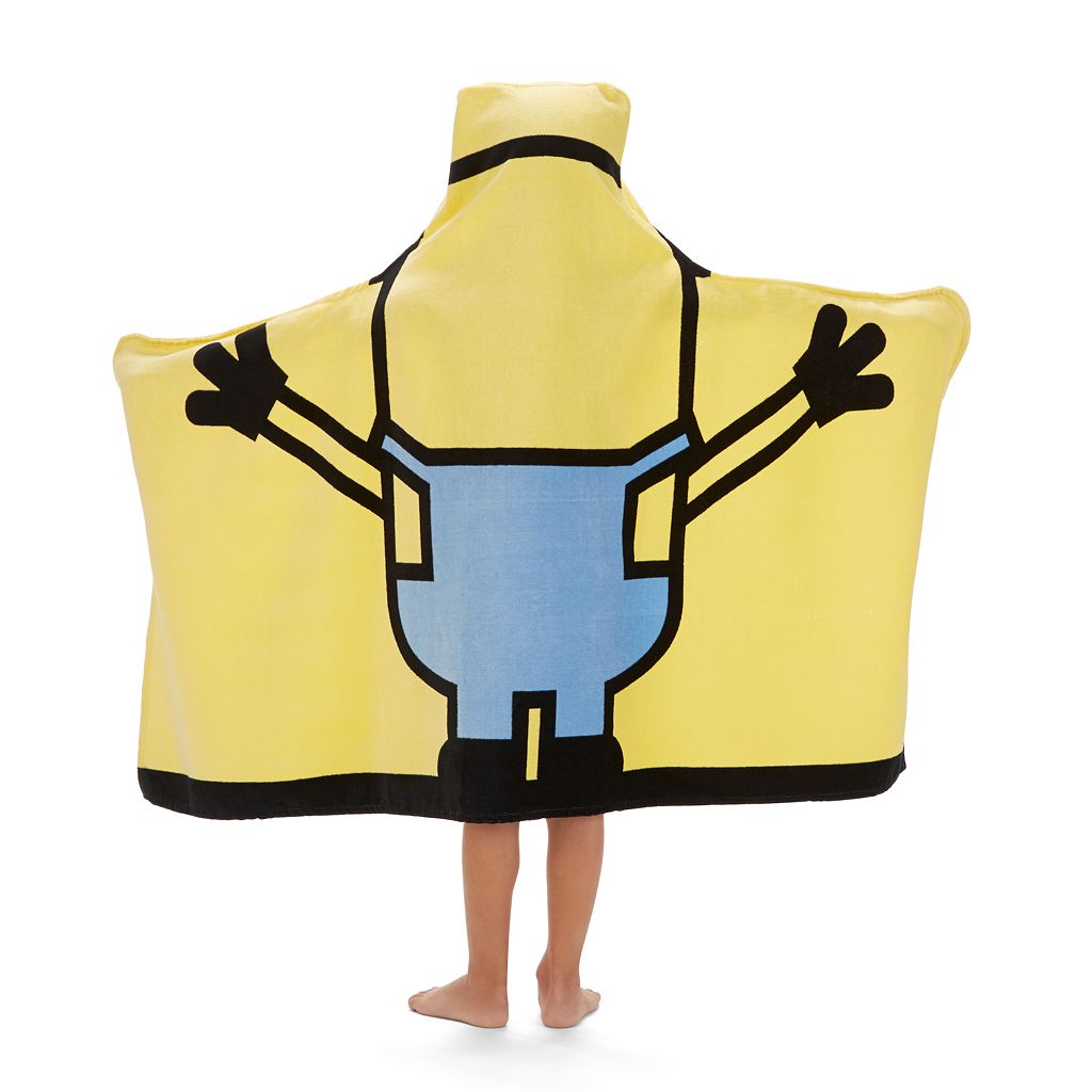 Minions Mayhem Hooded Towel Wrap