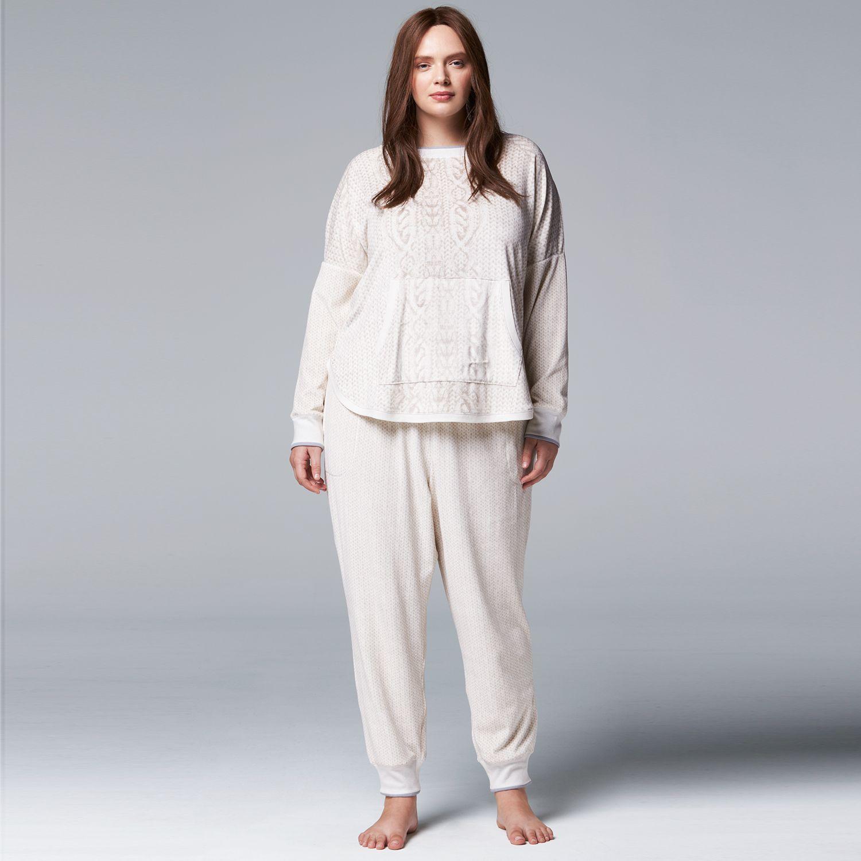 Plus Size Simply Vera Vera Wang Pajamas: Winter Tale Printed PJ Set